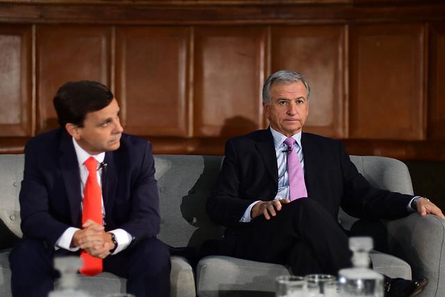 Siguen los roces entre el empresariado y Hacienda: refutan críticas del ministro Larraín al sector privado