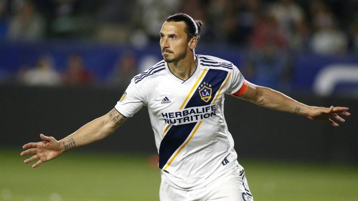 Zlatan lo vuelve a hacer: el jugador sueco nuevamente asegura que es mejor que Carlos Vela