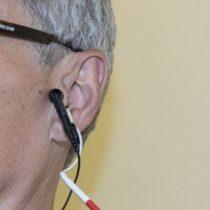 Qué es la terapia de cosquillas en el oído y por qué podría ayudarnos a envejecer mejor
