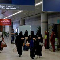Las mujeres de Arabia Saudita ahora podrán viajar al extranjero sin un guardián masculino