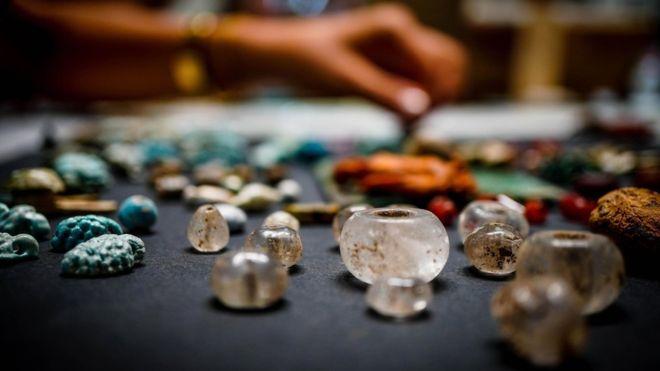 """Pompeya: los enigmáticos objetos hallados en las ruinas de una casa en la ciudad sepultada que podrían ser """"el tesoro oculto de un hechicero"""""""