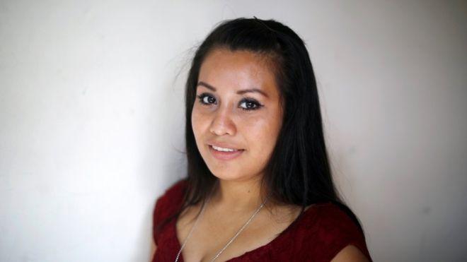 """Evelyn Hernández, la joven de El Salvador absuelta tras parir a un bebé muerto: """"Mi pesadilla terminó, pero aún quedan muchas mujeres inocentes presas"""""""