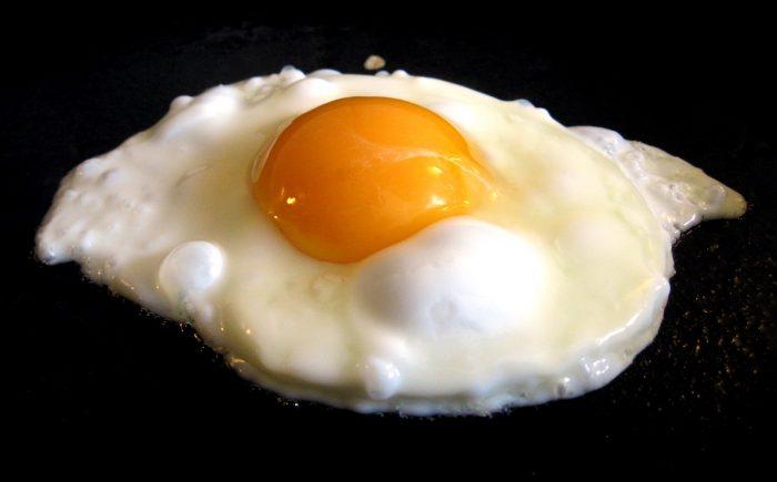 Menos huevos y carne roja: la restricción en la dieta que podría ayudar en la lucha contra el cáncer
