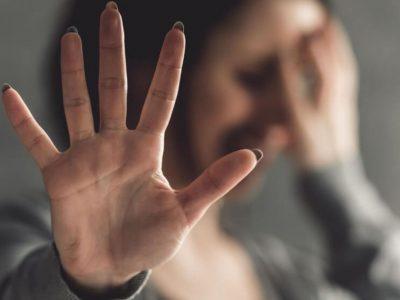 Diciembre de funas: ¿Moda? ¿Forma de protesta? Las razones psicológicas tras los diversos testimonios sobre abusos que se han tomado las redes sociales