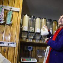 Positivo balance de ley que prohíbe bolsas plásticas y anuncia nuevas medidas para reducir y reciclar envases