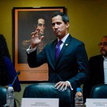 Guaidó designa su gabinete, aunque evita utilizar el término