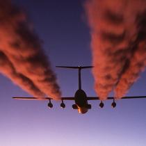 Viajero consciente: el crudo aporte de los viajes en avión al cambio climático
