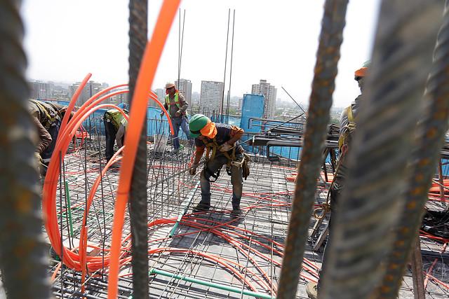 El pago de Chile: 50% de los trabajadores recibe ingresos menores o iguales a 400 mil pesos mensuales