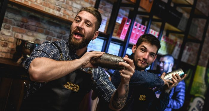 School on the Rocks: se realizó la primera masterclass del pisco en Chile