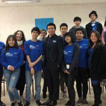 Potenciando el inglés de estudiantes municipales con la sana convivencia