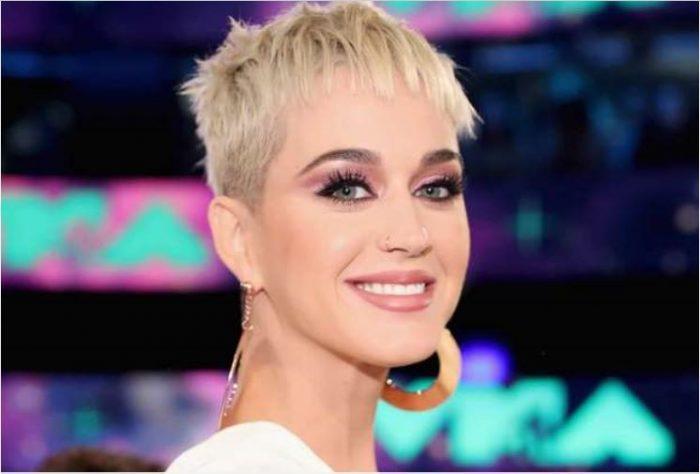 Katy Perry sigue en el ojo del huracán: presentadora de TV también la acusa de agresión sexual
