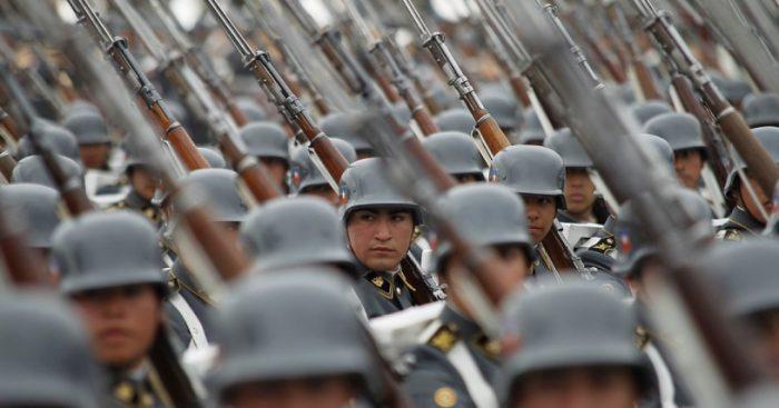 Quema de archivos de la CNI: ministro Carroza ordena prisión preventiva de tres altos oficiales en retiro del Ejército
