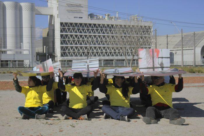 Grupo ambientalista se manifestó en contra de Carozzi por uso de huevos de gallinas enjauladas