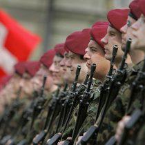 """""""Tienen derecho a servir"""": personas trans podrán realizar el servicio militar en Suiza"""