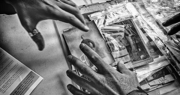 Fotógrafo chileno gana en España importante premio de fotografía por su trabajo sobre memoria histórica