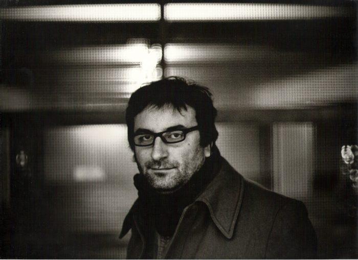 """""""Objetivo general"""" de Yanko González: la poesía reunida del autor de """"Metales pesados"""", gran ícono de los 90"""