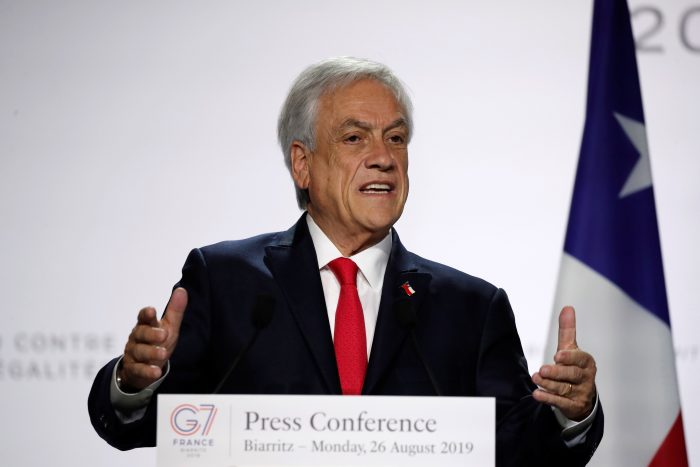 El Presidente Piñera llega a Brasilia para examinar crisis por incendios con Bolsonaro
