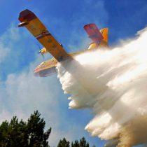 El bombero al rescate: Gobierno envía primer avión cisterna para combatir incendios en la Amazonía