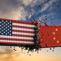 Cómo China y EE.UU. recrudecieron su guerra comercial con un aumento recíproco de aranceles (y cómo esto desplomó los mercados)