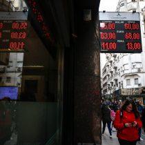 El valor del peso argentino se desploma tras derrota de Macri en primarias