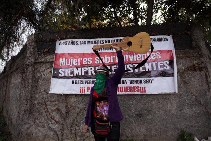 Defensores de los DD.HH. protestan por venta de