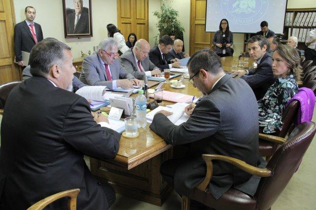 TPP-11 da otro paso en el Senado: Comisión de RR.EE. firma acuerdo con el Gobierno y aprueba la iniciativa por unanimidad