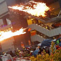 Tensión en Hong Kong: manifestantes corren tras escuchar disparos durante protestas