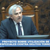 ¡Llegaron los tiempos mejores! (por media hora): la broma de Iván Moreira tras asumir momentáneamente la presidencia del Senado