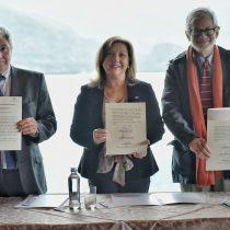 En medio del escándalo de Nova Austral, industria de los salmones firma acuerdo con el Gobierno para fortalecer el negocio
