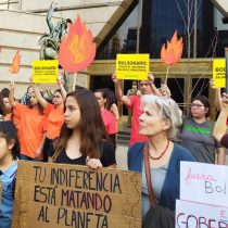 El fuego en la Amazonía moviliza al mundo y enfrenta a Bolsonaro con las potencias europeas