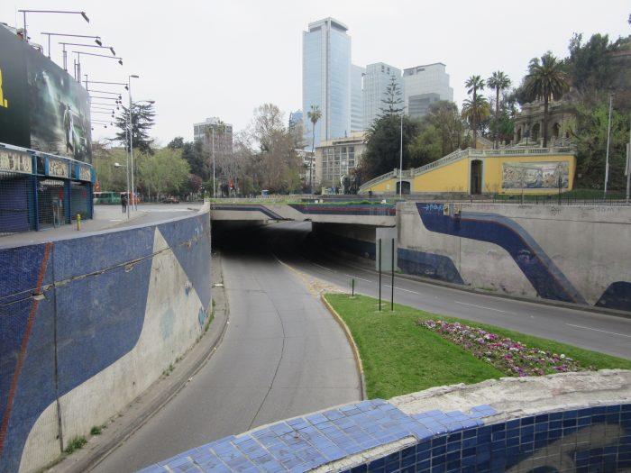 Nemesio Antúnez y el mural del paso bajo nivel de Santa Lucía