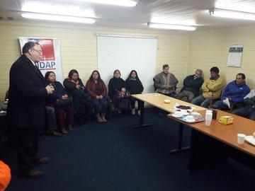 """Indignación: mapuche acusan a seremi de Agricultura de tratarlos como """"gente limitada intelectualmente"""""""