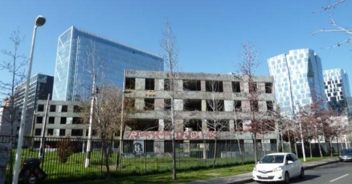 Fundación Aldea pide conservar último edificio de ex villa San Luis de Las Condes