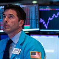 Jornada negra en Wall Street: ¿están los mercados dando señales de que se avecina una nueva recesión?