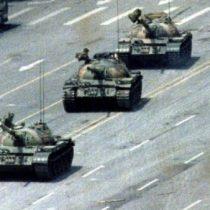 Fallece Charlie Cole, el fotógrafo de la famosa instantánea de Tiananmen