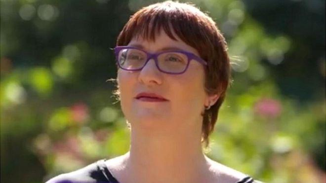 Las 2.500 personalidades que desarrolló Jeni Haynes para sobrevivir a los abusos de su padre