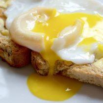 ¿Cuán bueno es para la salud comer huevos?