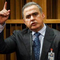 Fiscalía venezolana anuncia investigación contra Guaidó por supuesta
