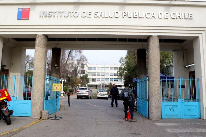 Funcionarios del ISP denuncian a nueva directora ante Contraloría por conflicto de interés