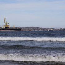 Extraña y desconocida mancha alertó a pescadores de Quintero: Autoridad Marítima desconoce el origen