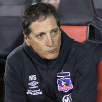 Se le vino la noche al comandante: hinchas de Colo-Colo gritan cántico pidiendo la salida de Mario Salas