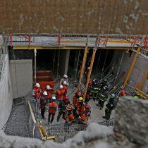 Derrumbe en edificio en construcción deja a 5 personas atrapadas
