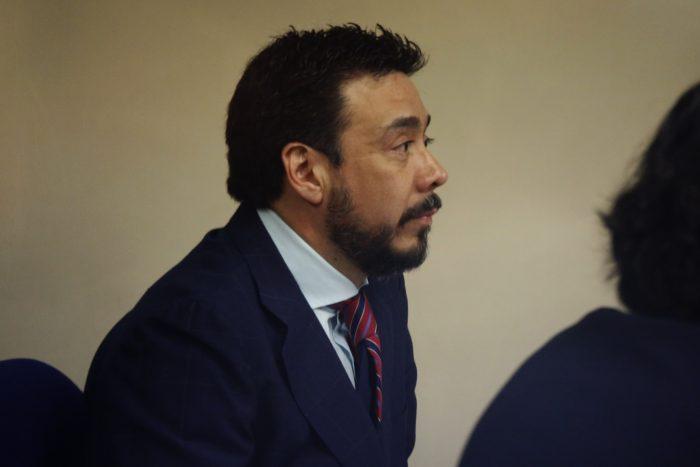 Fiscal Abbott dictó nueva suspensión contra Emiliano Arias tras apertura de sumario