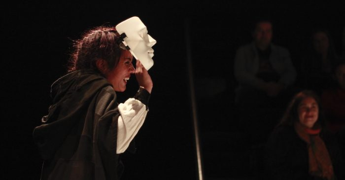 "Obra ""Hamlet, álbum de familia"" en Sala Negra UV, Valparaíso"