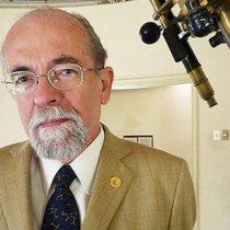 Astrónomo José Maza fue premiado como Chileno del Año
