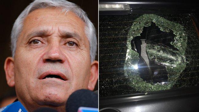 Encapuchados atacaron comitiva del director de la PDI en el centro de Santiago