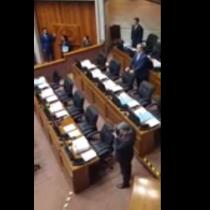 """Brillaron por su ausencia: senadores de la derecha se restaron del minuto de silencio por el """"11"""" en la Cámara Alta"""