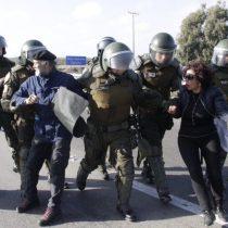 Detienen a alcalde de La Ligua y a su esposa en medio de manifestaciones en la ruta 5 Norte por la escasez hídrica de la zona