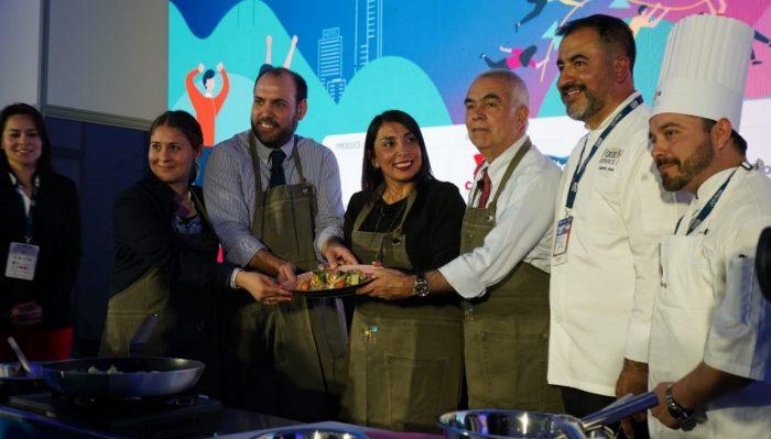 Alerta por desperdicio de comida en Chile: se botan 3.700 millones de kilos al año y se gastan $200 mil extra por persona anualmente