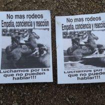 Animalistas queman medialuna de Curacaví en protesta contra el rodeo: no podrá funcionar estas Fiestas Patrias